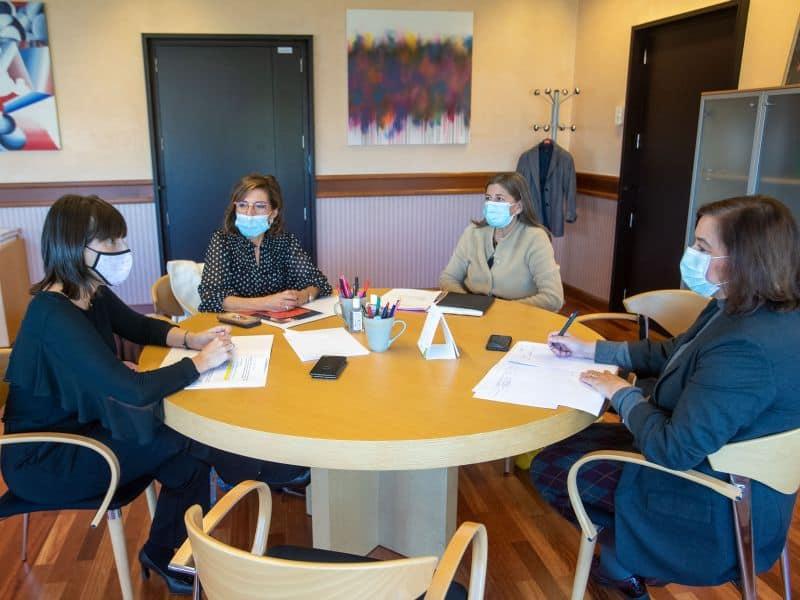 Reunión de Executivas de Galicia con la Conselleira de Emprego e Igualdade